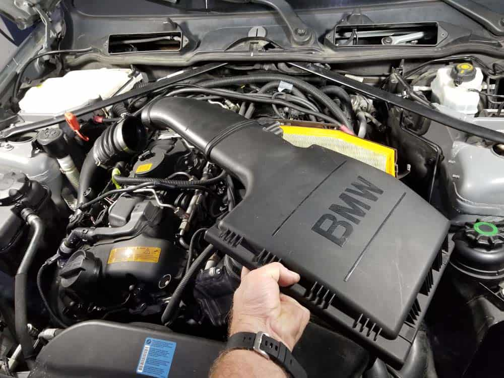bmw n55 valve cover gasket replacement - Remove the intake muffler lid from the engine compartment