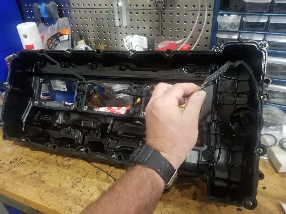 bmw n55 valve cover gasket replacement - Remove the old valve cover gaskets