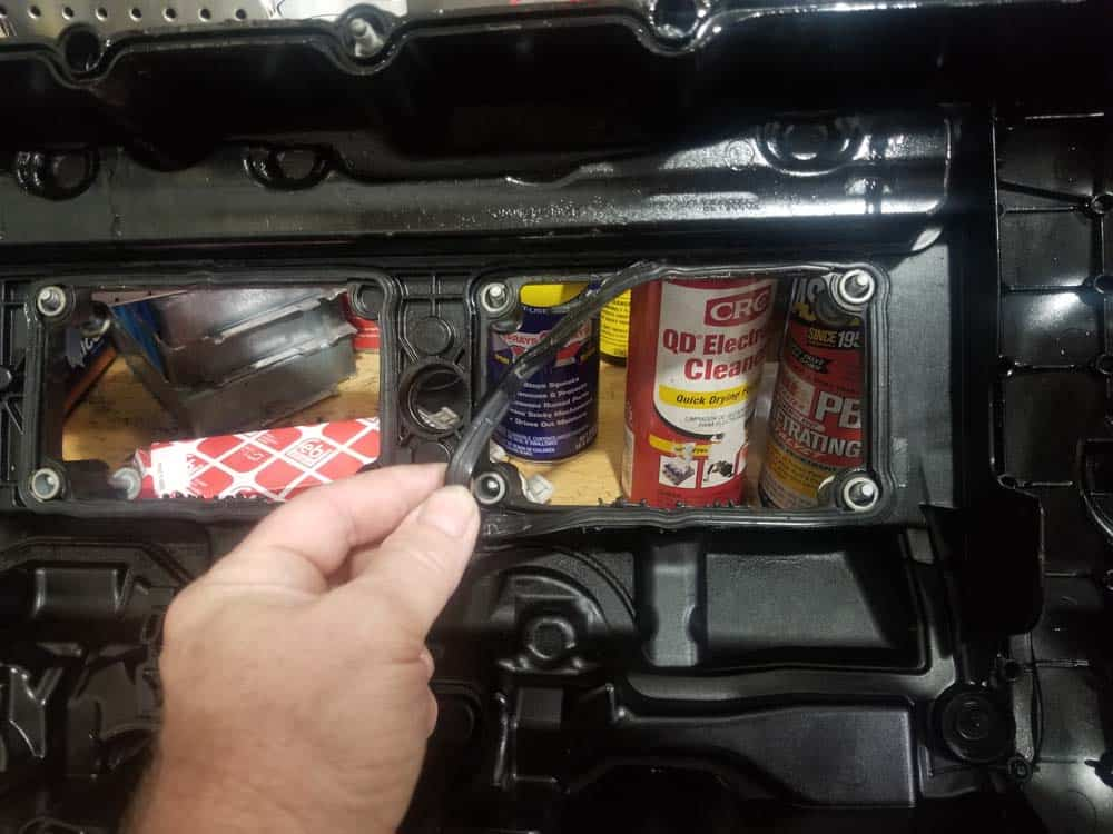 Remove the old interior gaskets