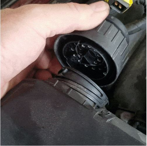 bmw m60 pcv valve replacement - Unplug the main wiring harness connections by turning their locking rings counterclockwise