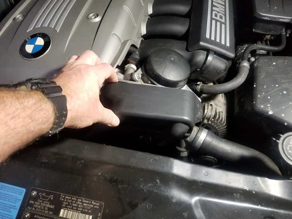 bmw n52 oil filter housing gasket replacement - Unsnap the protective cover from the oil cooler
