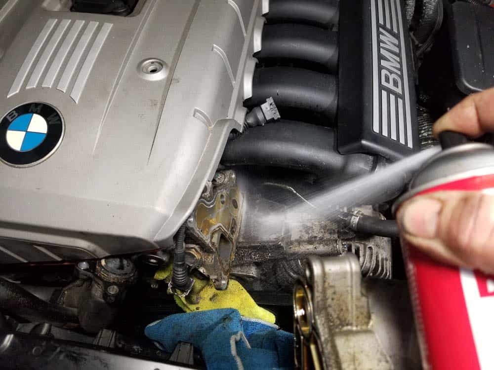 bmw n52 oil filter housing gasket replacement - Spray the oil filter mount liberally with CRC Brakleen