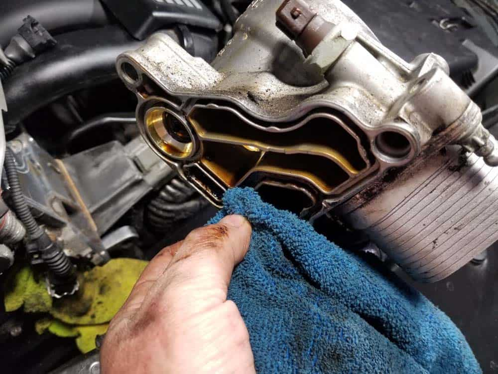bmw n52 oil filter housing gasket replacement - Thoroughly clean the oil filter mount