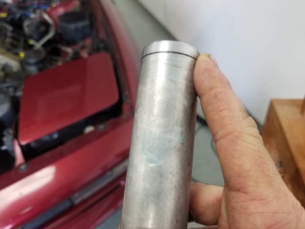 bmw m60 valley pan replacement - Lubricate the end of the water pipes with liquid dish detergent