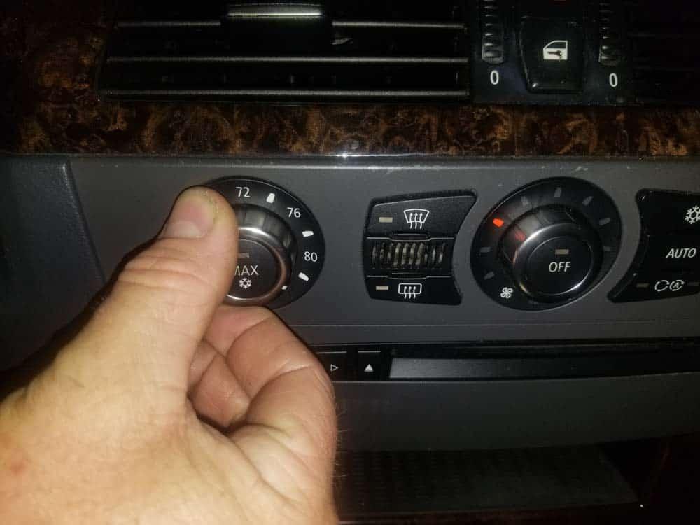 bmw e60 coolant flush - Turn driver's side heat to full