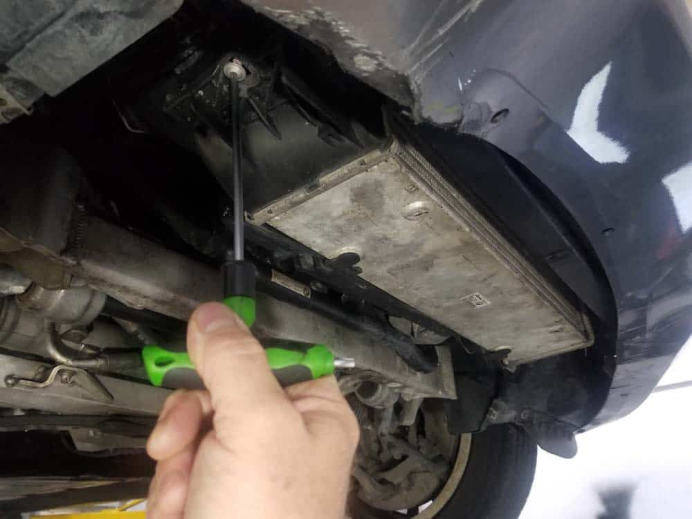 bmw e90 thermostat replacement - remove the intercooler mounting screws