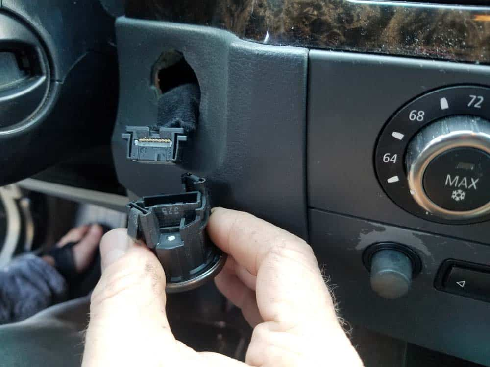 bmw e60 start button replacement - Pull the plug free from the switch
