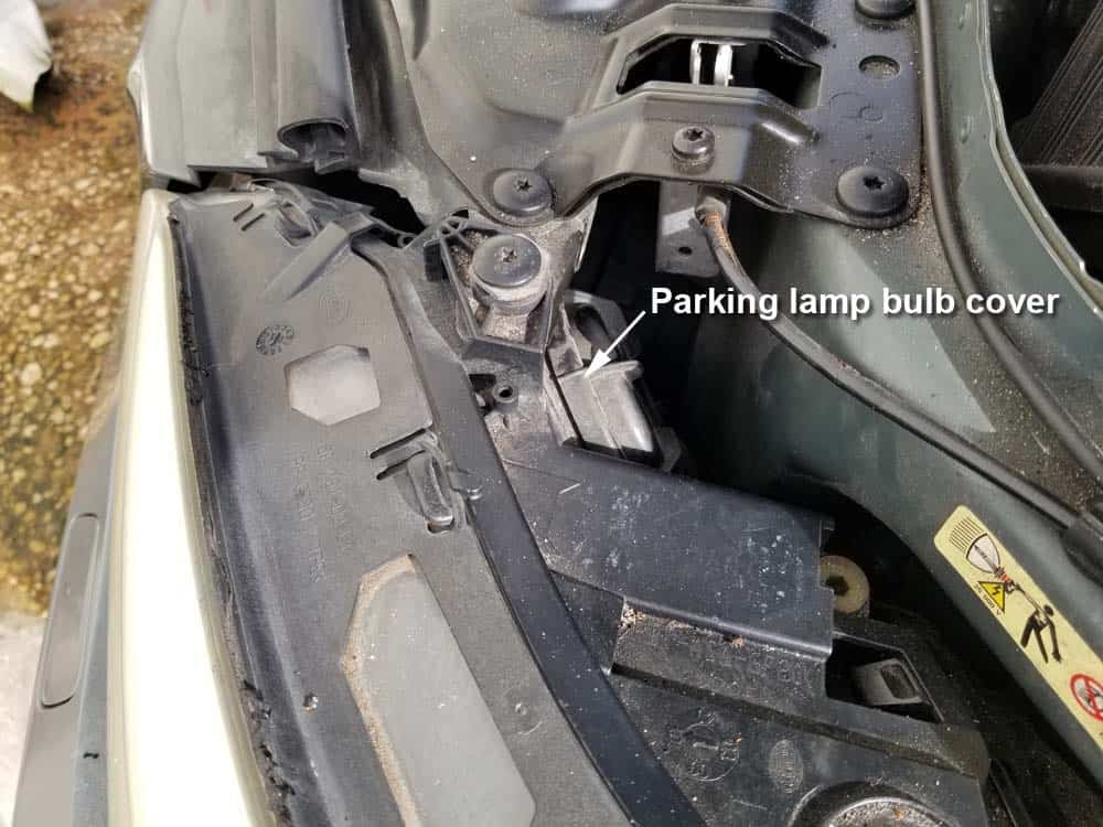 bmw e60 parking lamp bulb replacement - Locate the parking lamp cover