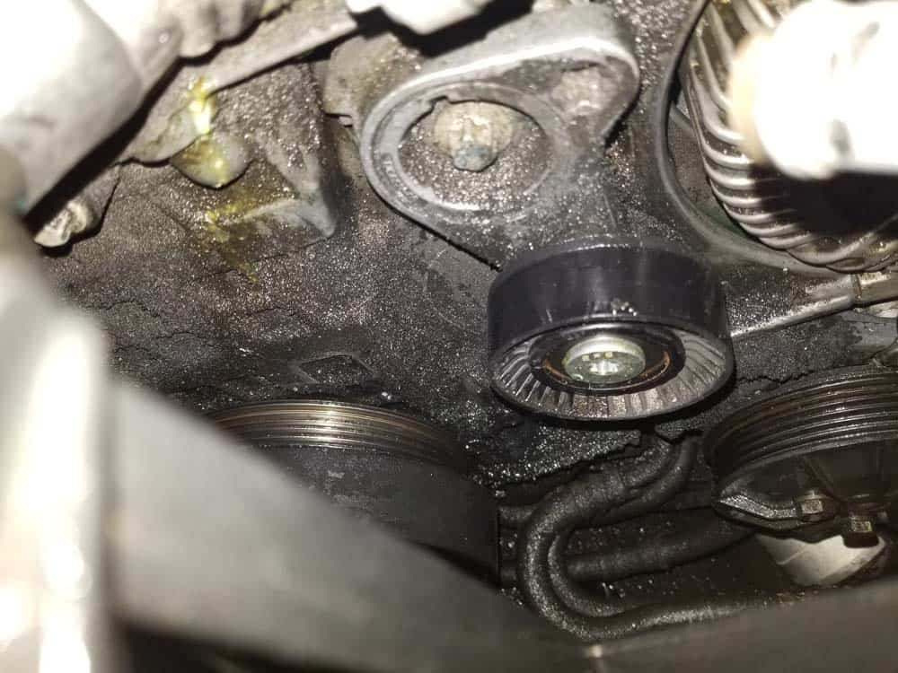 bmw e60 serpentine belt and pulley replacement - The tensioner pulley