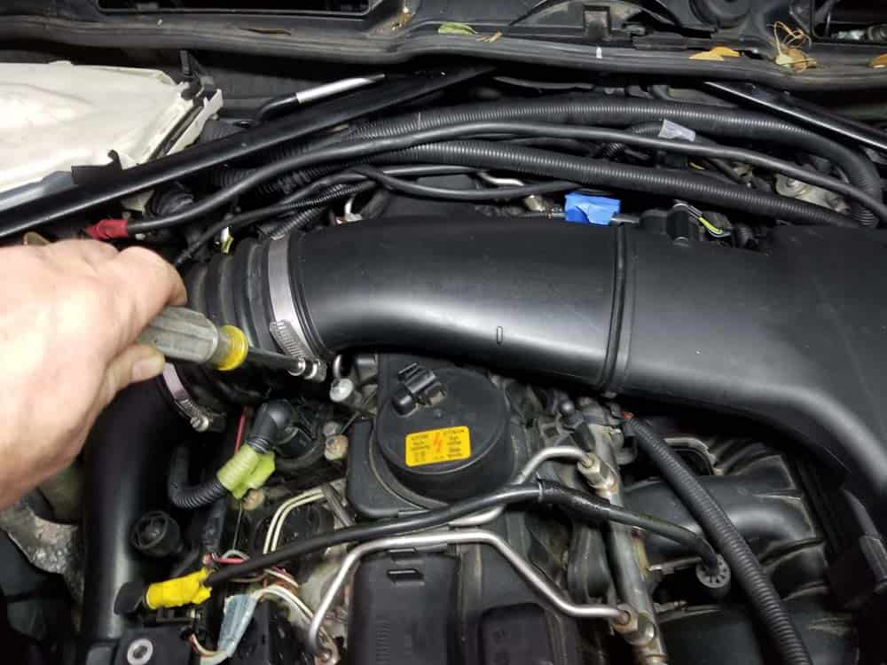 bmw n55 starter replacement - Loosen the hose clamp on the air duct