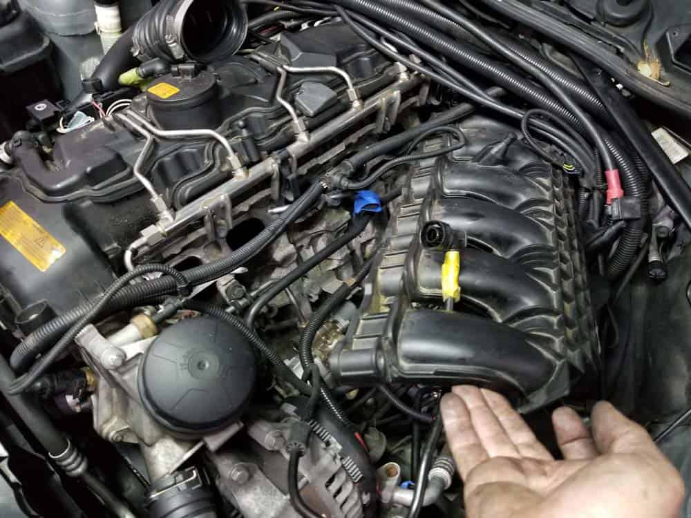 bmw n55 starter replacement - Pull the intake manifold clear of the cylinder head