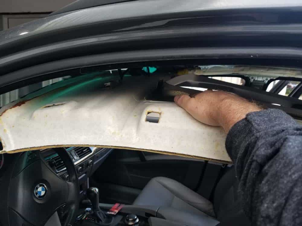 bmw e61 headliner removal - Press the headliner down from the front of the vehicle