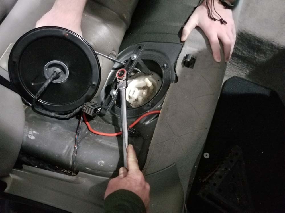 Removing a stuck screw cap