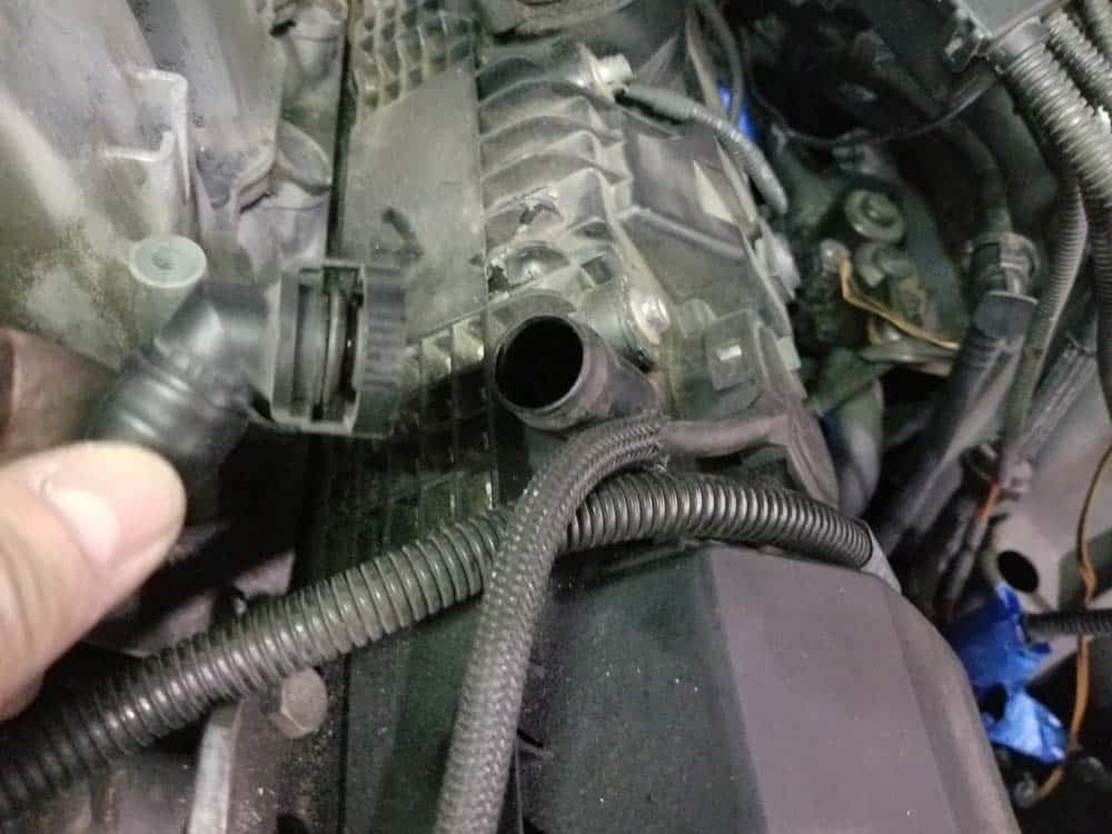 bmw n62 intake manifold - Unplug the left crankcase vent hose from the left valve cover