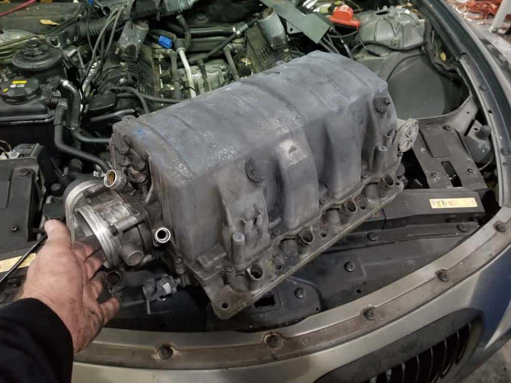bmw n62 intake manifold - The intake manifold removed.