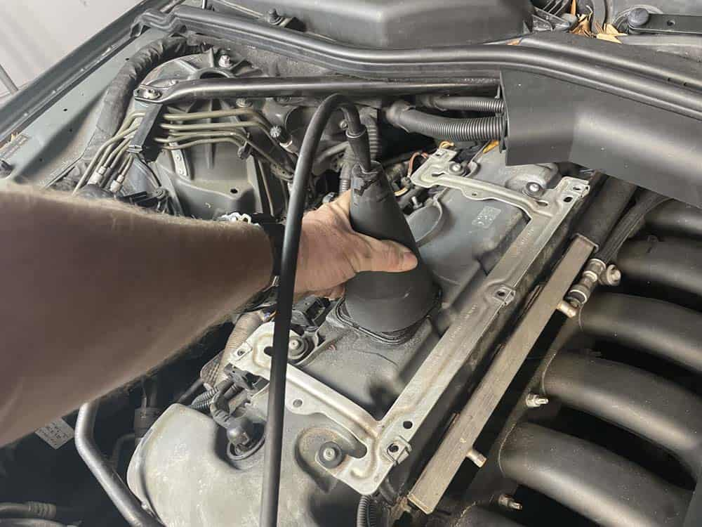 rough idle diagnoses and repair - Press the rubber diagnostic cone firmly over the oil fill hole