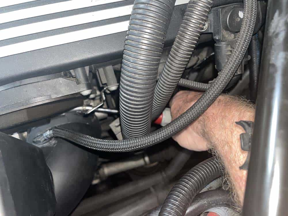 bmw n52 intake manifold removal - Loosen the hose clamp on the intake boot