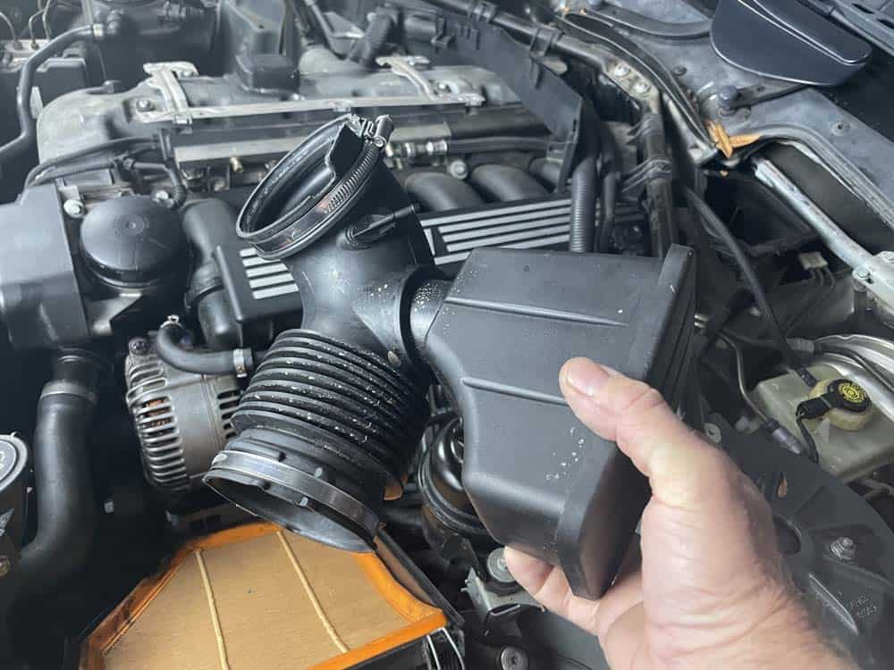 Remove the intake pipe from the vehicle