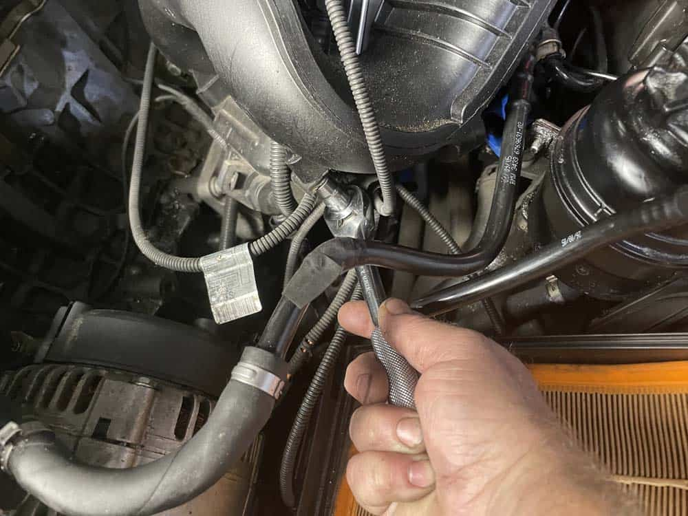 Remove the wiring harness mounting bolts